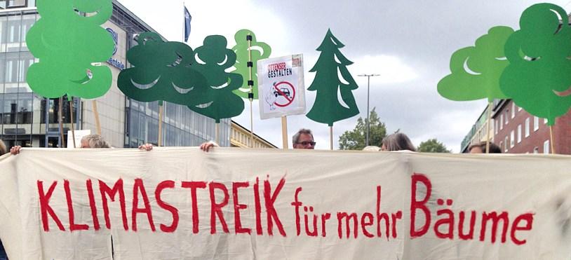 Klimastreik-Aktion auf der Max-Brauer-Allee